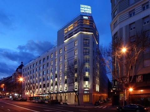 Hotel husa paseo del arte oferta hotel en madrid barato for Gimnasio 24h madrid